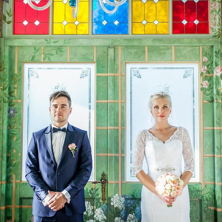 Seši profesionālu fotogrāfu padomi jaunajam pārim, lai kāzu fotogrāfijas izdotos lieliski